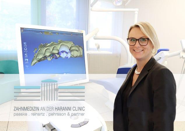 Mitarbeiterin der Rezeption in der Haranni Clinic in Herne